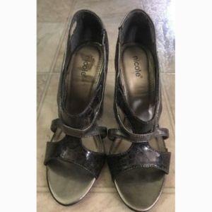 Nicole Shoes Dizzy Open toe Heels Size 6M